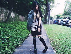 Jessica Grrl - Topshop Swag Beanie, Cheap Monday Oversized Top, Keds Platform Shoes - I Miss Your Bones