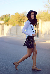 Bianca D - Jennyfer Skirt, Parfois Hat, Pull & Bear Boots - New Kid