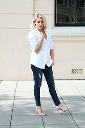 Lian G. - Costes Blouse, H&M Jeans, Buffalo Shoes - Basic