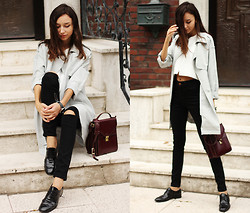 Bea G - Coat, Top, Jeans, Shoes, Bag - DUST