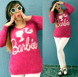 Karen Cardiel - Mohair Babie Sweater, Pearl Sunglasses, Mítu Calzado Silver Creepers - I´m not a Barbie Girl... but I have a Barbie Sweater