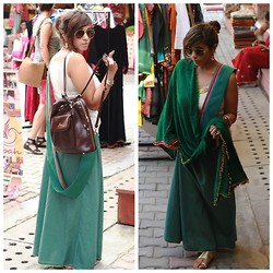 Surbhi Suri - Ebay.Com Vest, W For Women Skirt, W For Women Stole, Westside Gold Coiled Flats, Lavie Bagpack, Ray Ban Aviators - Indian Grunge