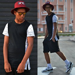 Youssef Hossni - Shicagou Shapeau, Givenchy T Shirt, Nike - Black And Red ♥