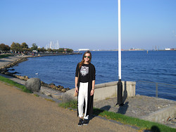Chantal H. - Asos Duster Coat, Kenzo T Shirt, H&M Trousers, Nike Sneakers - Sunny days passing by