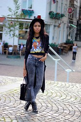 Nelly Negret - Jeans, Muscle Tee, Hat, Cardigan, Necklace - The avengers