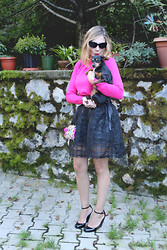 Valeria Arizzi - Bright Pink Sweater, Round Skirt, Soprasotto Mini Bag, Barù Baby Shoes, Oasap Cat Eye Sunnies - Chloè and me
