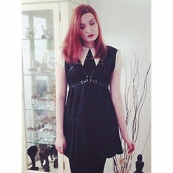 Corinne Noir - Isy Mo Harness, Unif Collar Dress - Whitch-out girl