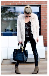 Fashiontwins - Christian Dior Bag, Zara Boots, H&M Yeti Jacket - Yeti look