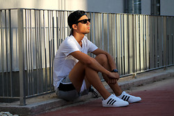 Fran Garde - Pull & Bear Cap, H&M Top, H&M Short, Adidas Sneakers, Swatch Watch, Ray Ban Sunglasses - Back to sport