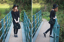 Rebekah D - & Other Stories Jumper, Romwe Bag, Topshop Shoes - OOTD: All Black.