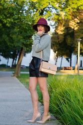 Cristina Feather -  - Leather shorts for fall