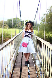Peaches - H&M Black Fedora Hat, Lush T Shirts Logo T Shirt, Topshop Quilted Midi Skirt, Dorothy Perkins Quilted Cross Body Bag - The Blogger T-Shirt