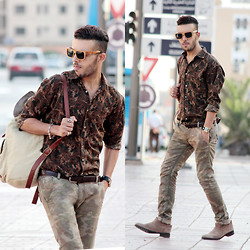 Faissal Yartaa - Hoodboyz Konrad Corduroy Back Men Bag Beige, Woodzee Dakota Pear Wood Black Dip Sunglasses   Smoke - Automne Street.