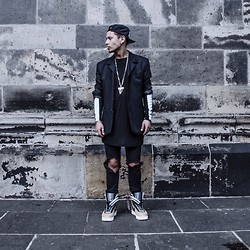 Mago Dovjenko - Nike Unreleased Sneakers, Cheap Monday Jeans, Adyn Longsleeve, Givenchy Shark Tooth Necklace - #Notevenoutyet