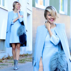 Leonie Hanne - Zara Furry Coat, Hallhuber Light Blue Dress, Zara Furry Bag, Zara Grey Booties - Ice, ice (blue) baby!