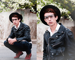 Ahmed Elhadî - H&M Jacket, Zara Hat, Levi's® Jean - Hopes !