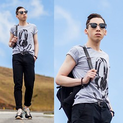 Douglas Brandão - New Balance Sneakers, Black Chinos, M.Officer T Shirt, Ui Gafas! Sunglasses, Colcci Backpack - Blue Sky