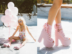 Rachel Lynch - Dolls Kill The Ballet Bae Shoes, Dolls Kill Cartoon Pink Bodysuit, Wildfox Couture Pink Circle Sunnies - Ballet Bae