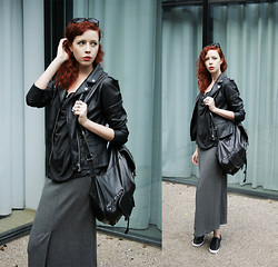 Jesuswannatouchme . - River Island Leather Jacket, All Saints Grey Waterfall Top, River Island Leather Backpack, H&M Bralet, Vintage Maxi Skirt, Topshop Slip On Sneakers - MONOCHROME // jesuswannatouchme.