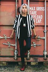 Milex X - Oasap Black And White Jacket, The Moon Label Skull Necklace, Dr. Martens Red, Nill'in Black Tank - Take me to the prison