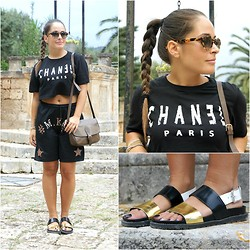 Annalisa Masella (www.insideme.it) - Espm, Zara, Saint Laurent Yves, Epos - Mini t-shirt e bermuda in un total black