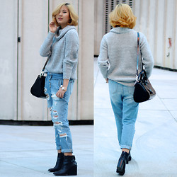 Dahye J - Forever 21 Turtleneck Sweater, Urban Outfitters Ripped Boyfriend Jeans, Zara Wedge Boots, Alexander Wang Purse - RIPPED JEANS + TURTLENECK