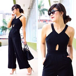 Desiree Adrienne Lim - Mags Romper - Black out