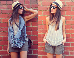 Giovanna Scarfo - Jeanswest Desert Sunset Snood, Jeanswest Silk Cami, Jeanswest Shorts - Summer vibe