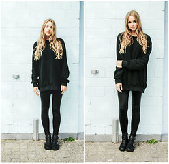 Lea . . . - Vintage Oversize Pullover, New Yorker Shoes - All black sunday