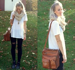 Bethany Aeckersberg - Silence + Noise White Tee, Noisy May Black Jeans, Dr. Martens Doc, Vintage Leather Carrier Bag - Calgary Sunshine