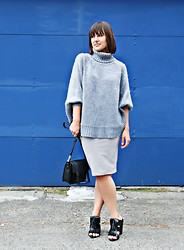 Rebecca L - Michael Kors Sweater Cape, Forever 21 Textured Skirt, Zara Heeled Loafer - Minimalism