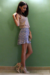 Gaia Cacciaguerra - H&M Pleated Skirt, Forever 21 Posh Cutout Pumps - Simplicity.
