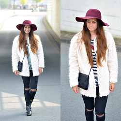 Larissa Verbon - Primark Coat, Forever 21 Hat, Pieces Bag, Invito Chelsea Boots, Men At Work Ripped Jeans, Cotton On Striped Top - Light & Fluffeh