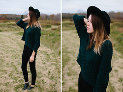 Katie Bauer - Urban Outfitters Hat, H&M Sweater, American Eagle Pants, Sam Edelman Boots - Sweater Weather