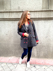 Barbara Archilla - Blanco Coat, Adidas Sneakers - Off to work