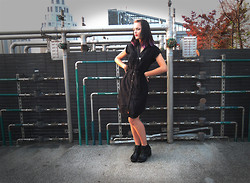 Ann-Sofie L - Vintage Button Down Dress, Local Nightmarket Chunky Heels Platforms, Ur&Penn Crow's Skull Necklace - Grumpy Goth-gurl