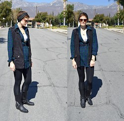 Bethany R. - Anorak Vest, Flannel/Plaid, American Apparel Leggings, The Frye Company Harness Boot - Moose and Squirel