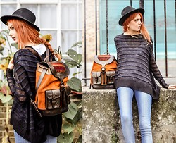 Ebba Zingmark - 5preview Sweater, Bearabeara Backpack, Hat - LNDN
