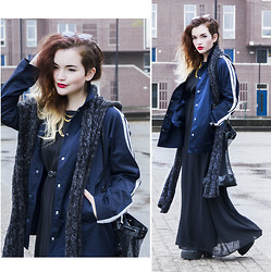 Rachel Ecclestone - Frontrowshop Jacket, Young Hungry Free Mesh Bag - AUTUMN BLUES