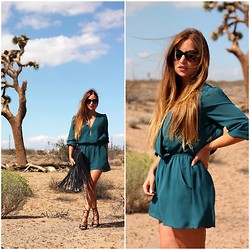 MELODY La Minute Fashion - Forever 21 Jumpsuit, Aldo Heels, H&M Fringe Bag, Mango Cat´S Eyes Sunglasses - Le désert