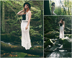 Tessa B. - Asos Black Hat With Jewelry, H&M Vest, H&M Black Top, Chic Wish My Favorite Skirt - Silence in the wood