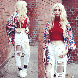 Kayla Hadlington - Dolls Kill Fluffy Top, Missguided Kimono, Reverse Official Ripped Jeans, Glamorous Shoes - FLUFFY AND RIPPED JEANS