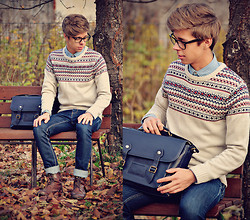 Edgar - Pull & Bear Blue Denim Jeans, H&M Brown Leather Brogue Boots, Primark Sweater, Topman Navy Leather Satchel, H&M Denim Shirt, Black Framed Optical Glasses - AUTUMN PARADISE