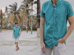 Mon Cruz - Cotton On Teal Short Sleeve Button Down, Sperry Classic Brown Top Sider - Afternoon walk
