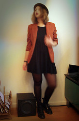 Lieselotte Peeters - H&M Hat, H&M Smock Dress, Vintage Blazer, Dr. Martens Boots - The dark seeks dark