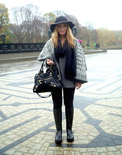 Alba Leclerc - H&M Hat, Matthew Williamson Coat, Balenciaga Bag, Louis Vuitton Boots - Oslo is a cold place. Like really!