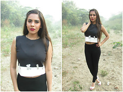Pooja Mittal - Frontrowshop Sleeveless Top With Contrast Hem - Stitches N Crosses