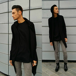 Bertrand Ash - H&M Long Hooded Cardigan, Topman Long Black T Shirt, Vintage Dusty Grey Skinny Jeans - On-Point
