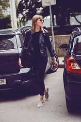 Katarina Vidd - All Items On My Blog - Black everywhere.