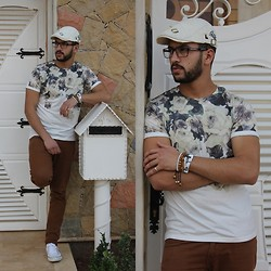 Nabil Asserghine - Watch, T Shirt, Contact Me - Waiting !!
